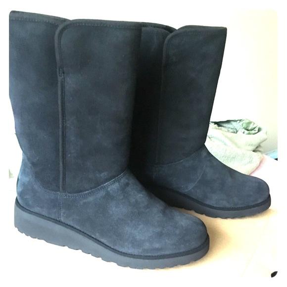 53063c43d6e Amie UGG Boots Women Size 9 Color Black Waterproof